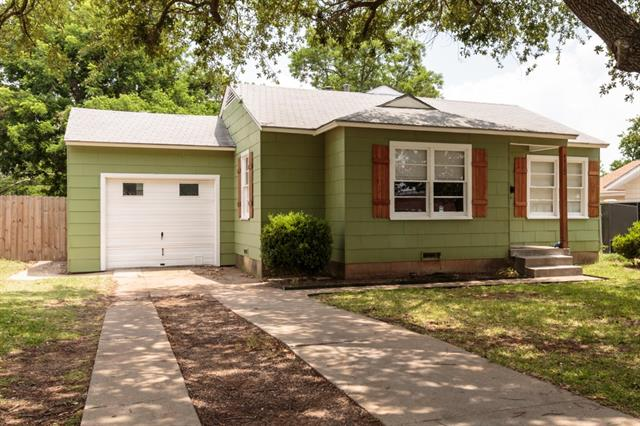 Photo of 4917 Dilworth Court  Fort Worth  TX