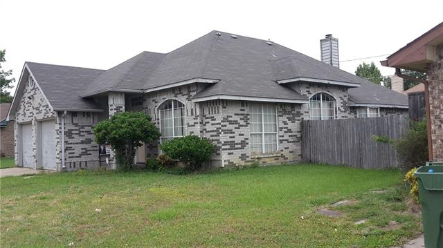 Photo of 1007 Silver Spruce Drive  Arlington  TX