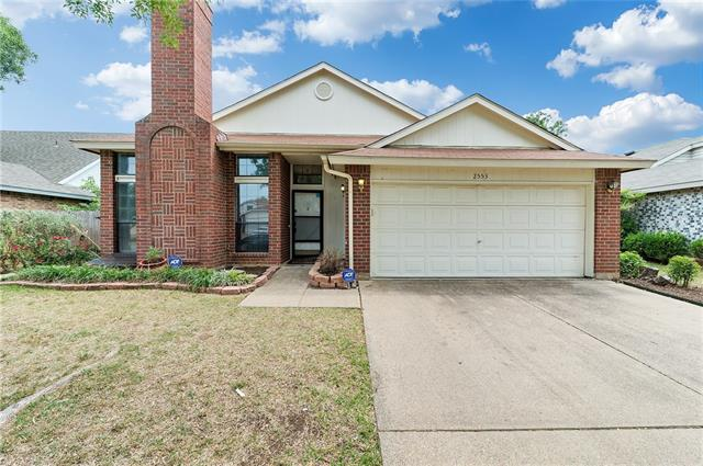 Photo of 2553 Forest Creek Drive  Fort Worth  TX
