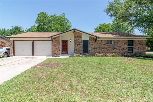 Photo of 305 Live Oak Drive  Mansfield  TX