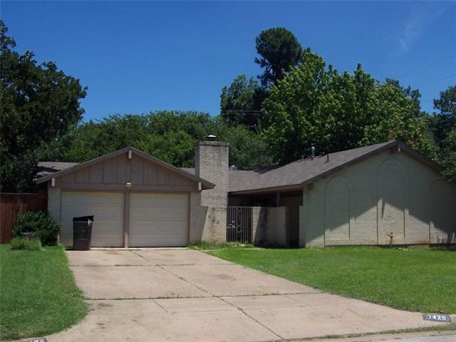 Photo of 7425 Madeira Drive  Fort Worth  TX