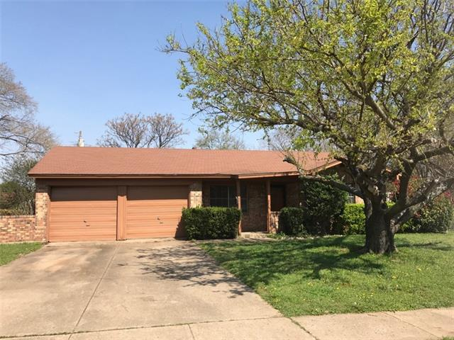 Photo of 523 Kelly Court  Duncanville  TX