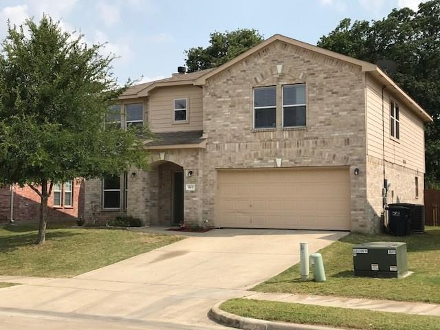 Photo of 840 Hidden Point Drive  Fort Worth  TX