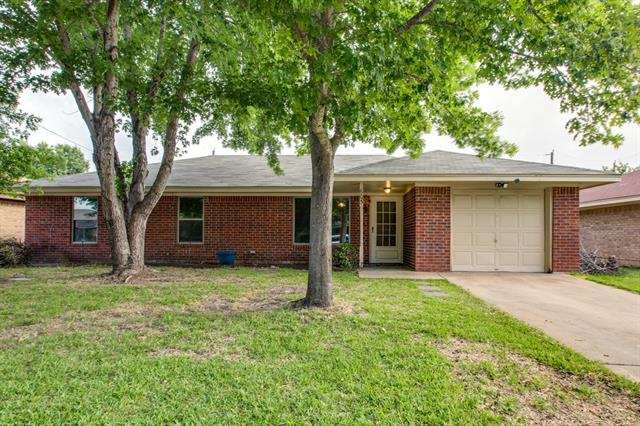 Photo of 605 Cates Drive  Kaufman  TX