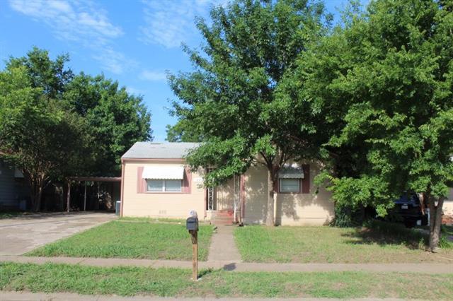 Photo of 1005 S Gribble Street  Sherman  TX