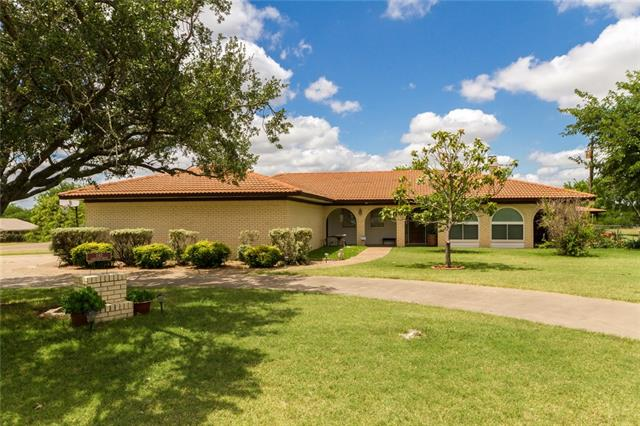 Photo of 1142 Lakeview Drive  Cleburne  TX