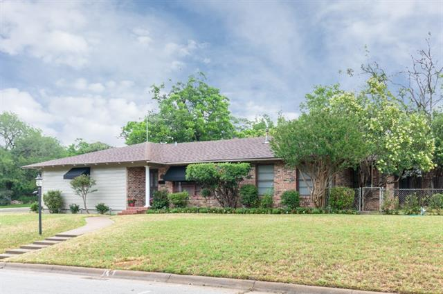 Photo of 2020 W Lotus Avenue  Fort Worth  TX