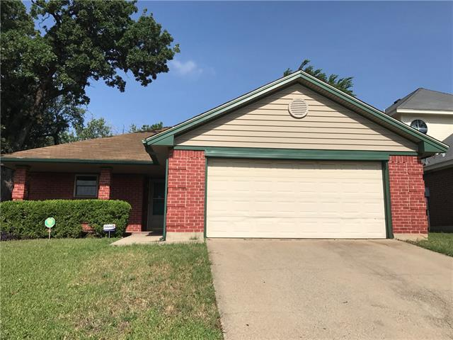 Photo of 1508 Hollowbrook Court  Fort Worth  TX
