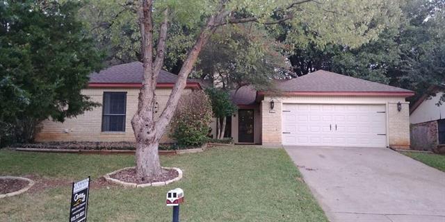 Photo of 3813 Lynbrook Lane  Arlington  TX