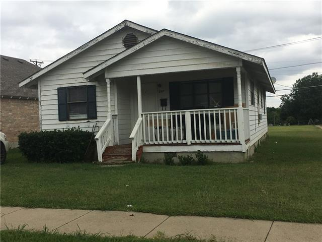 Photo of 217 E Fogg Street  Fort Worth  TX