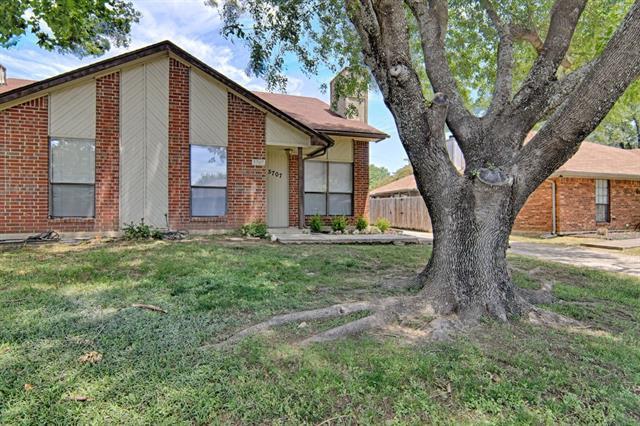 Photo of 5707 Bramblewood Court  Arlington  TX
