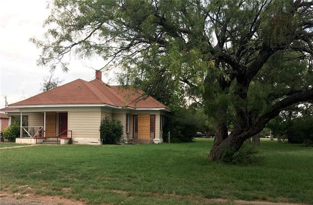 Photo of 717 E Campbell Street  Stamford  TX