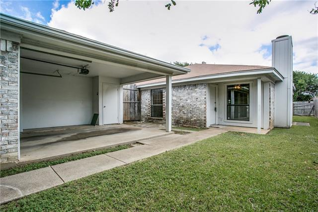 Photo of 6727 S Creek Drive  Fort Worth  TX