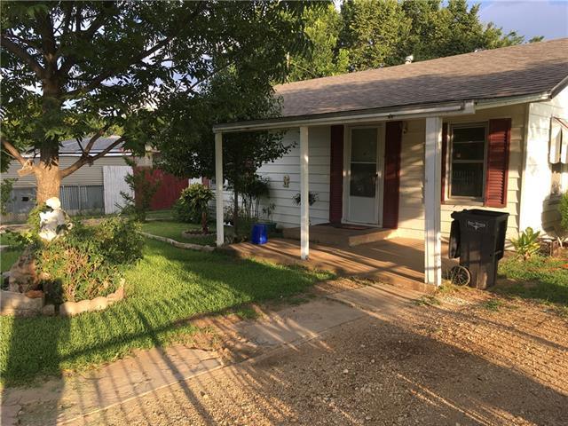 Photo of 1308 Elva Warren Street  Fort Worth  TX