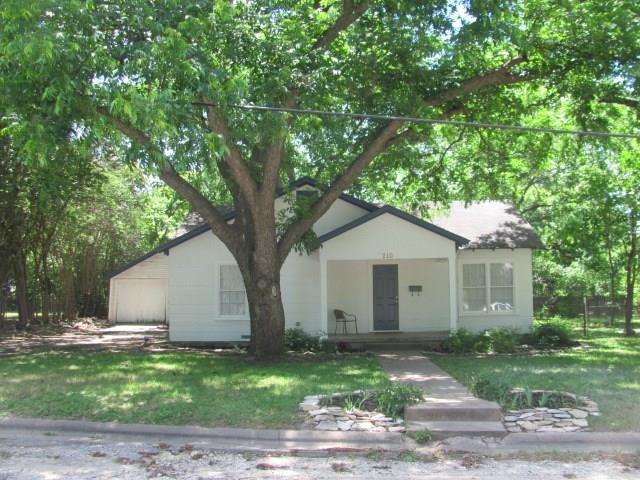 Photo of 210 N Avenue I  Clifton  TX