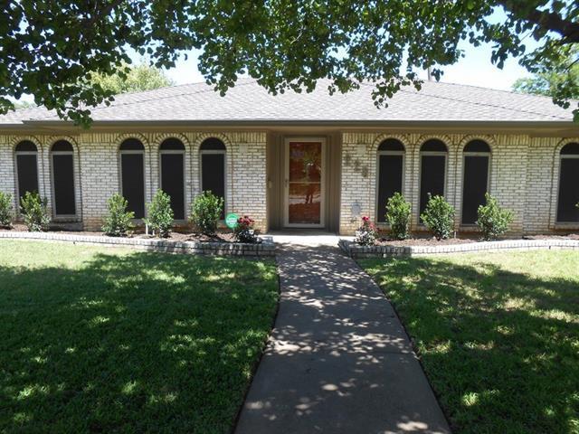 Photo of 226 Brookwood Drive  Duncanville  TX
