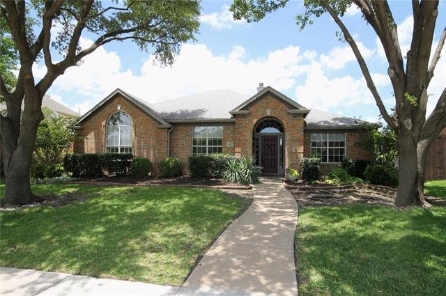 Photo of 2817 Summit View Drive  Plano  TX