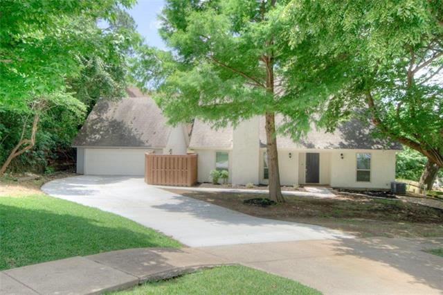 Photo of 2206 Crooked Oak Court  Arlington  TX