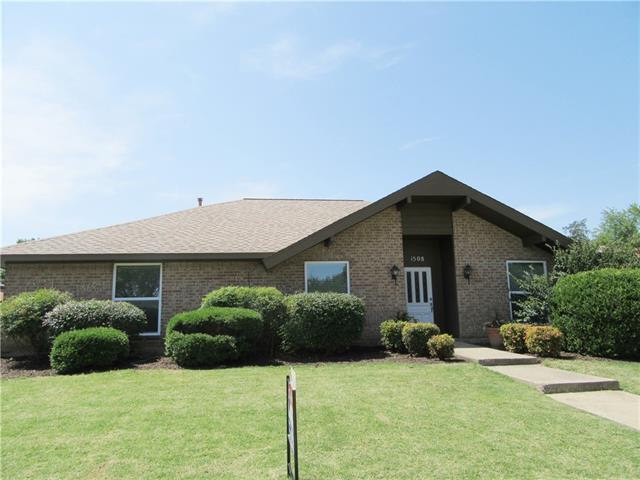 Photo of 1508 Glenhill Lane  Lewisville  TX