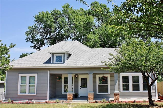Photo of 1008 W Spring Street  Weatherford  TX