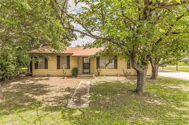 Photo of 1627 Moore Road  Cleburne  TX