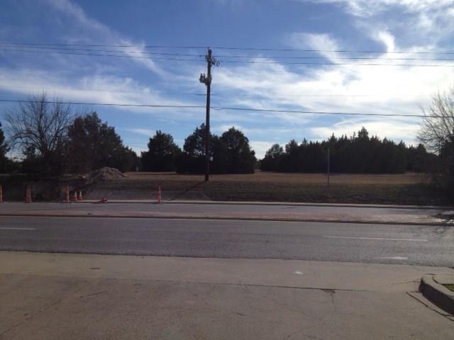 700 Belt Line Road, De Soto, Texas