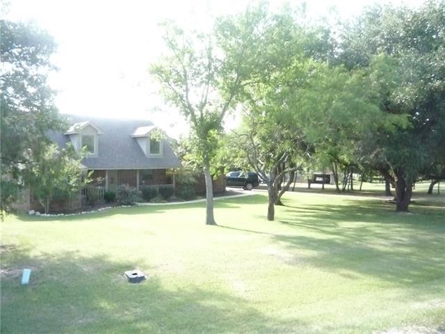 Photo of 133 Miramar Circle  Weatherford  TX