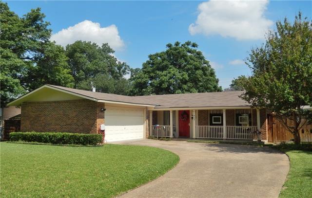 Photo of 920 Warfield Way  Richardson  TX