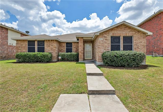 Photo of 2909 Rising Crest Drive  Lancaster  TX