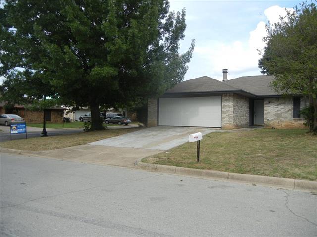 Photo of 3001 Meadowmoor Street  Fort Worth  TX