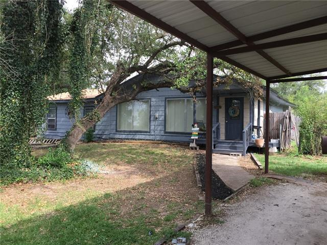 Photo of 401 Western Lake Drive  Weatherford  TX