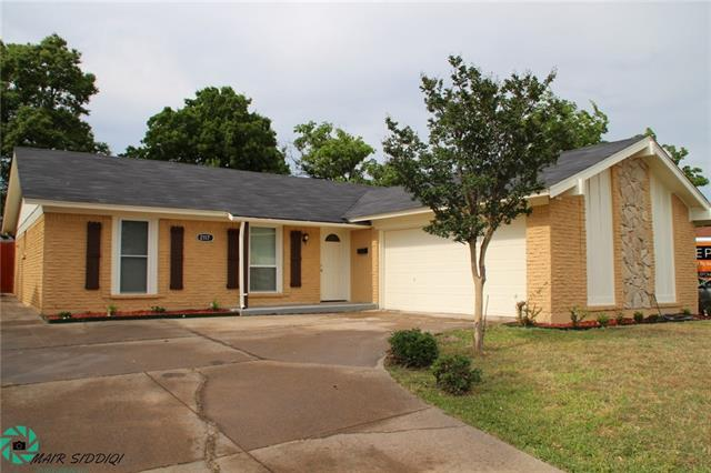 Photo of 2117 Deerfield Drive  Carrollton  TX