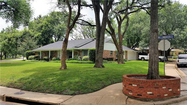 Photo of 203 Willowbrook Drive  Duncanville  TX