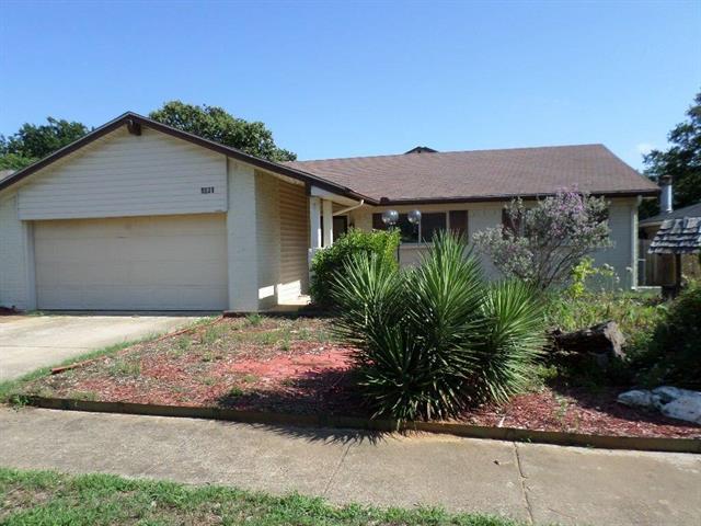 Photo of 1031 Kings Manor Drive  Lake Dallas  TX