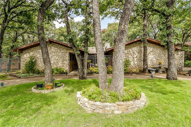 Photo of 6512 Evonshire Drive  Forest Hill  TX