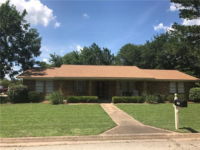 Photo of 500 Mockingbird Street  Bonham  TX