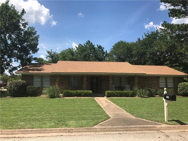 Photo of 500 Mockingbird Street  Bonham  TX