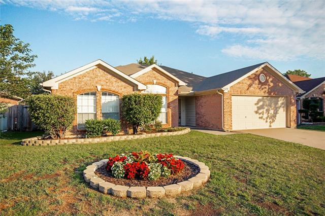 Photo of 1610 Crestmeadow Lane  Mansfield  TX