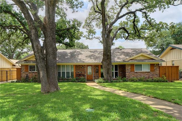 Photo of 1903 Signet Drive  Euless  TX