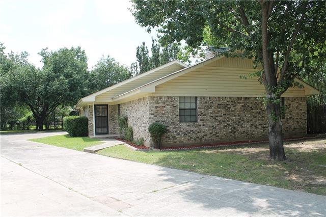 Photo of 307 Ashland Court  Gainesville  TX