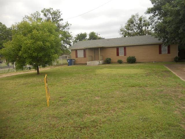 Photo of 922 W Wintergreen Road  Lancaster  TX