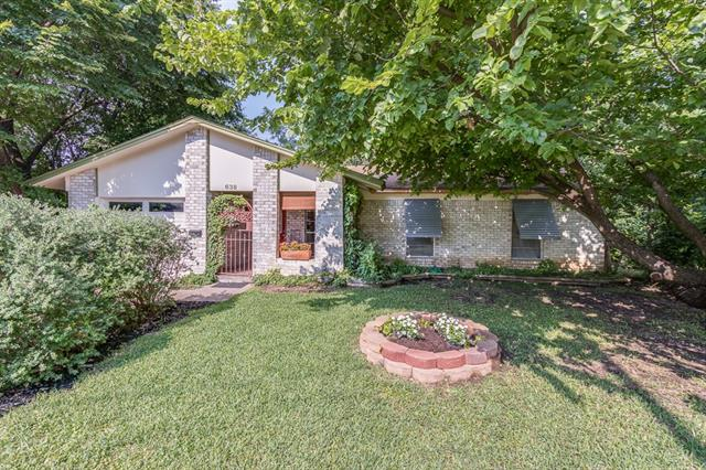 Photo of 638 Lazy River Circle  Duncanville  TX