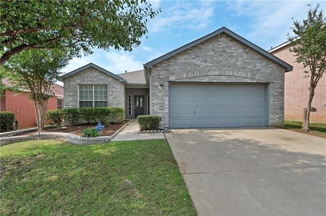 Photo of 12660 Oakwood Circle  Fort Worth  TX