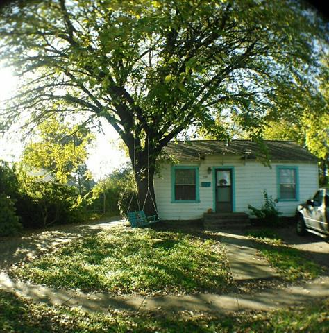 Photo of 229 W Sycamore Street  Denton  TX