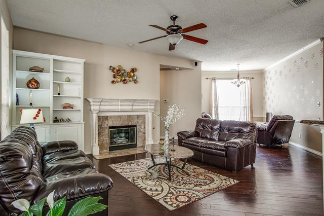 Photo of 9833 Cliffside Drive  Irving  TX