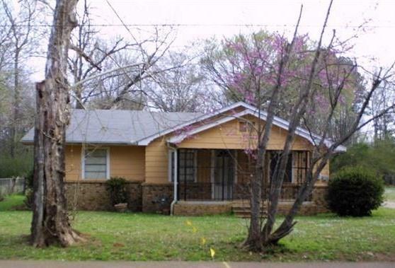 Photo of 304 S Pine Street  Hughes Springs  TX