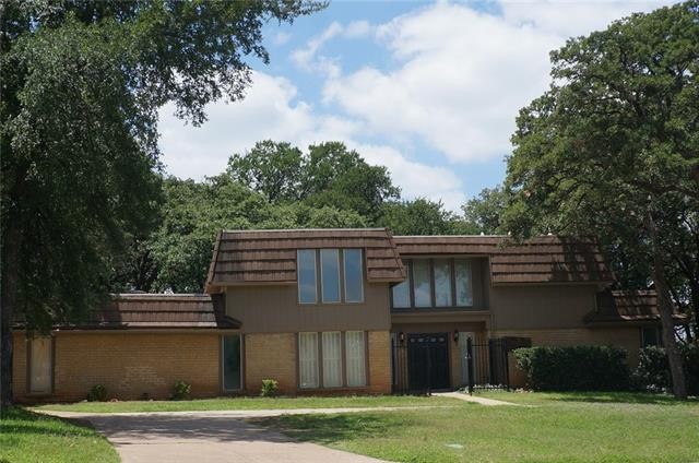Photo of 2220 Franklin Court  Arlington  TX