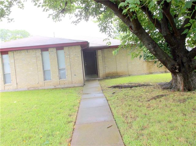 Photo of 825 CHERRY HILLS Drive  Lancaster  TX