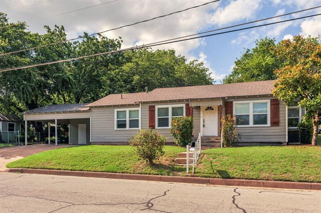 Photo of 402 Mccarty Street  Weatherford  TX
