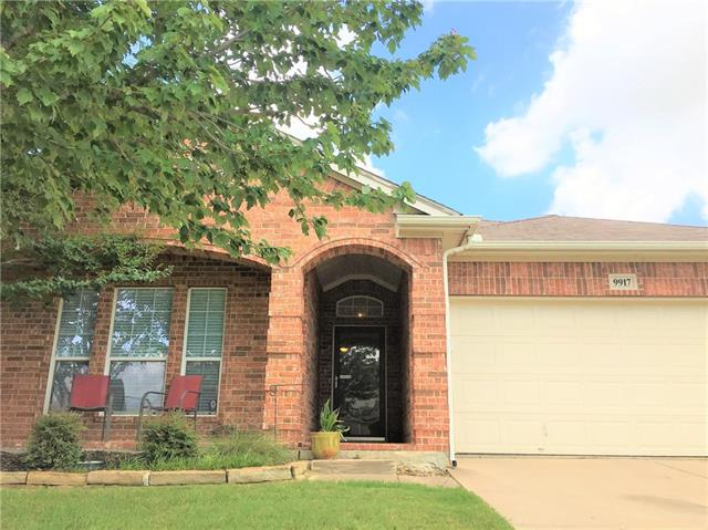 Photo of 9917 Bend Court  Fort Worth  TX